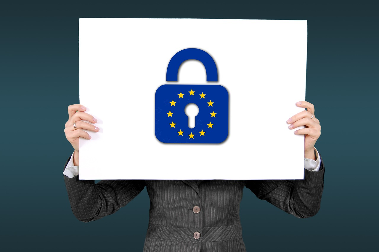 Zakon o zaštiti podataka ličnosti, Zakon o zaštiti podataka o ličnosti, snimanje radnika na radnom mestu, zakon o video nadzoru, email monitoring, GDPR kolačići,